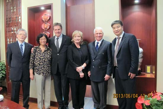 Rick Goings Chairman of Tupperware Brands Corporation visited our university